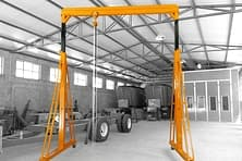 Adjustable portable crane
