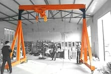 Electric mini mobile portal crane